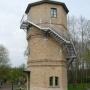 Zabytkowa wieża ciśnień oferuje dwuosobowe apartamenty carskie, każde zajmujące dwie kondygnacje.