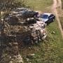 Chociaż zdjęcie wykonano w 2002 roku to już jest historyczne gdyż na miejscu ruin wznosi sie już zamek.