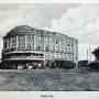 Ciekawe ujęcie hotelu Ritz od strony obecnej ulicy Mickiewicza umieszczone w niemieckim albumie o Białymstoku wydanym w latach 1915- 1919. Ze zbiorów Jana Murawiejskiego.