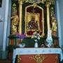 Ołtarz - stary, obraz zabytkowy Matki Bożej, Królowej Polski.