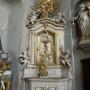 Boczny ołtarz Najświętszej Marii Panny.