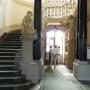 Sień Wielka pałacu z atlantami podpierającymi schody autorstwa Jana Chryzostoma Redlera.