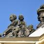 Popiersie Stanisława Bukowskiego, wykonane przez Pracownię Konserwacji Rzeźby w Warszawie jako podziękowanie za prace włożone w odbudowę Pałacu jako rekompensata za nie przyznaną nagrodę państwową i odsunięcie od kierownictwa odbudowy.