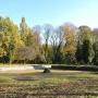 To już bardziej archiwalne zdjęcie. Obecnie w miejscu fontanny znajduje się plac zabaw dla milusińskich.