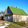 Aby zapewnić miejsca noclegowe dla stale zwiększającej się liczby przyjeżdżających gości, powstał drugi drewniany domek.