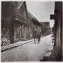 Brukowana ulica Zabłudowa około 1930 roku.