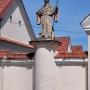 Figura mnicha Benedykta z Benewentu, ucznia św. Romualda, założyciela zakonu Kamedułów w Polsce.
