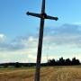 Krzyż nr2, choć ma prostszą formę jest równie ciekawy.