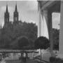 Park pałacowy w okresie międzywojennym. Zdjęcie wykonane przez Sekcję Miłośników Fotografji (Pisownia oryginalna)przy Szkole Handlowej w Białymstoku.