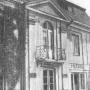 Fotografia dawnego pałacyku Branickich, pochodzi z